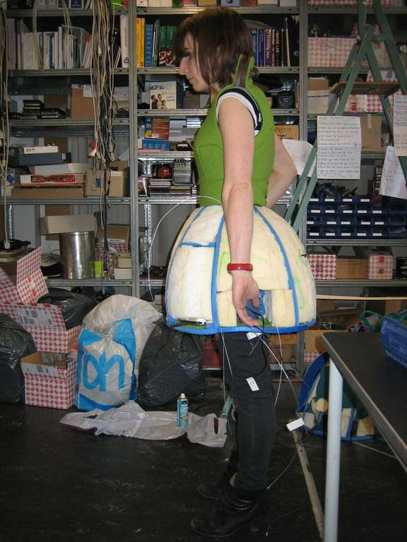 Di Mainstone Fitting the Skirt