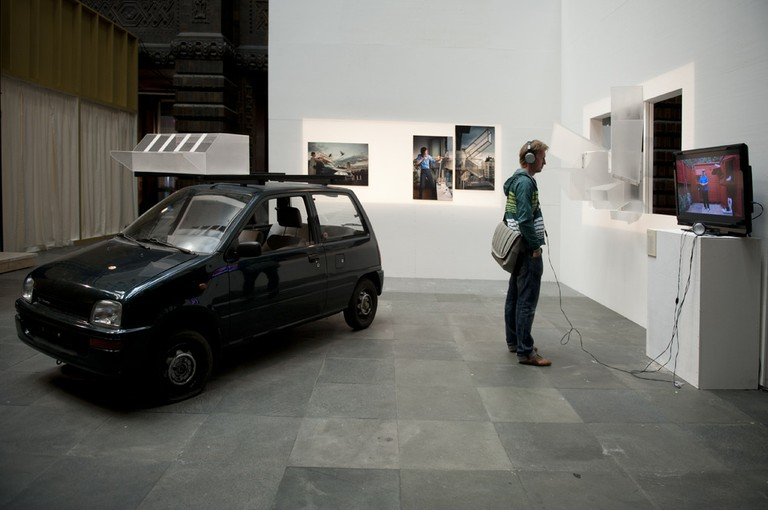 Installation view of Pigeon d'Or - Tuur van Balen